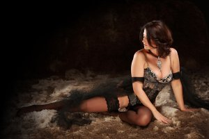Eponine independent escort