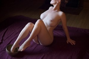 Wendeline escorts services in Burlington
