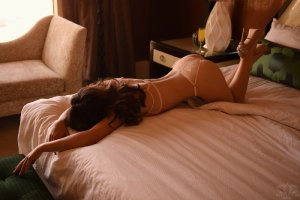 Oana outcall escort in Fort Bragg CA
