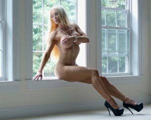 Phebe incall escort in Elgin